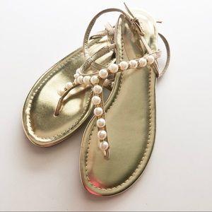 Unisa Shoes - UNISA Faux Pearl & Rhinestone Sandals • Size 6
